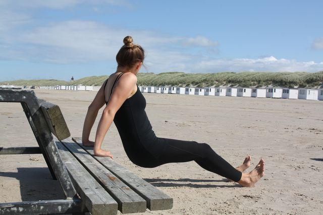Dips zählen zu den bekanntesten Trizeps-Übungen.