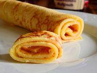 Die wichtigste Zutat: Übrige Pfannkuchen vom Vortag.