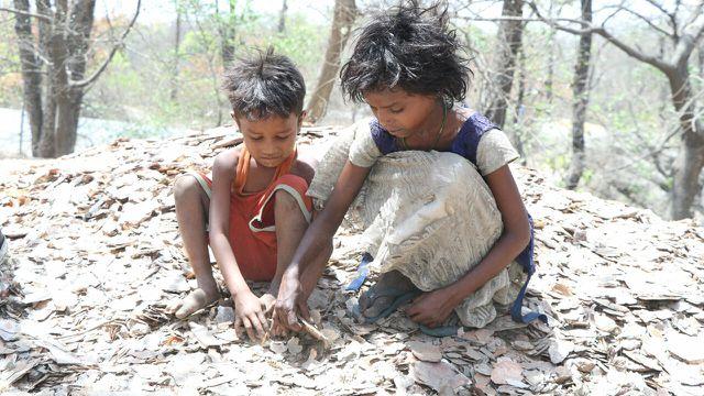 Allein in Indien arbeiten geschätzt 20.000 Kinder in Mica-Minen.