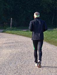 Die Devise beim Slow Jogging? Laufen – und zwar so langsam wie möglich.
