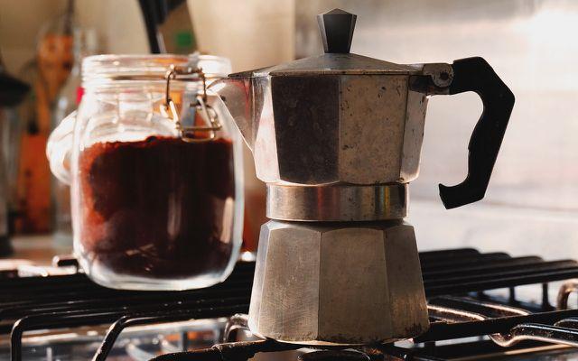 Kaffeezubereitung mit Espressokocher, Bialetti