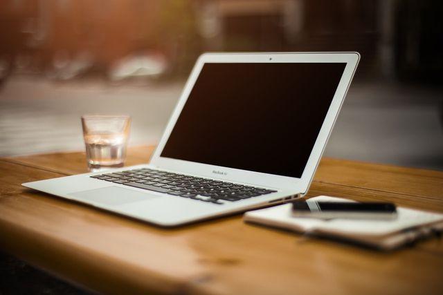 Oft in der Nähe: der Laptop.