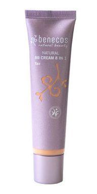 Die BB Cream von Benecos enthält pflegende pflanzliche Inhaltsstoffe.