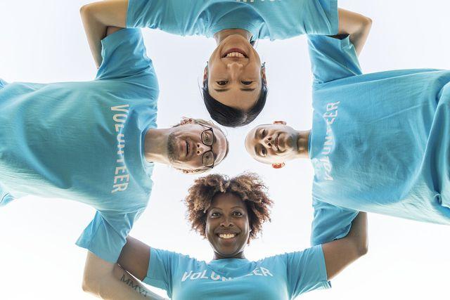 Kreative Berufe: Ehrenamt und Teamarbeit sind wichtige Bestandteile einer NGO.