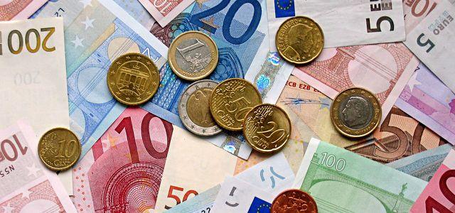 Geld Euro Münzen Scheine