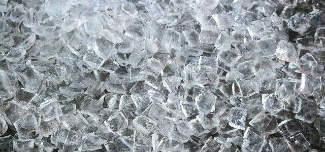 Eiswürfel selber machen ohne Eiswürfelform