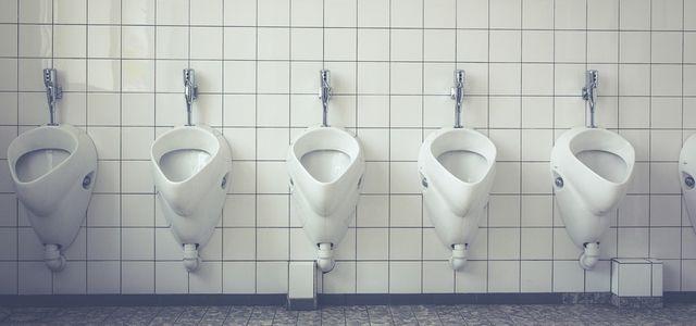 Urinstein entfernen: So wird deine Toilette blitzblank - Utopia.de