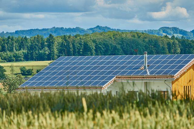 Erneuerbare Energien gehören zur Postwachstumsökonomie.
