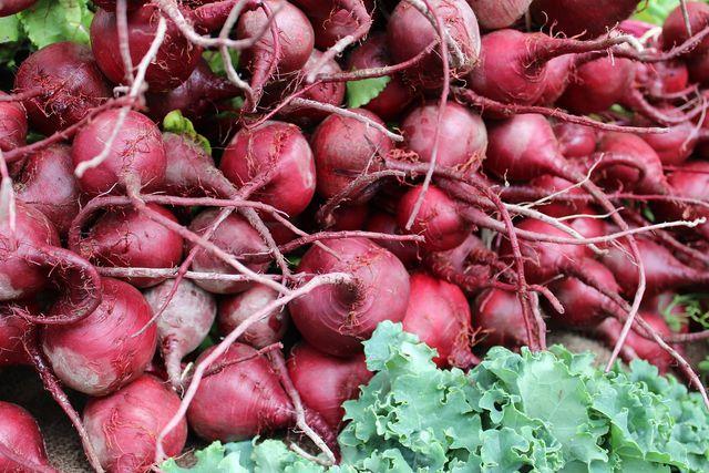 Am besten kaufst du das Gemüse frisch auf dem Markt ein.