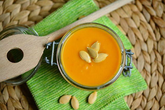 Kürbissuppe ist ein Klassiker im Herbst.