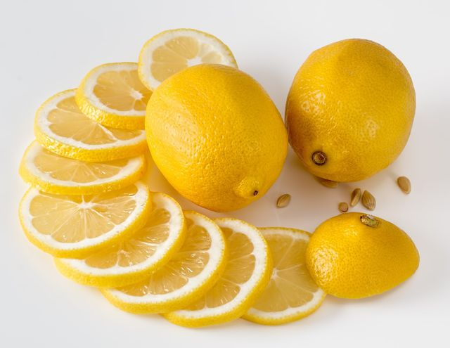 Die Kerne aller Zitrusfrüchte kannst du bedenkenlos mitessen.