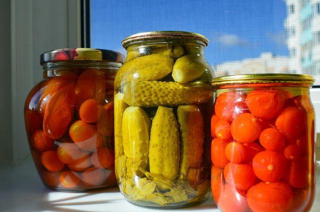 Was Obst und Gemüse betrifft, solltest du auf eingelegte Lebensmittel zurückgreifen.