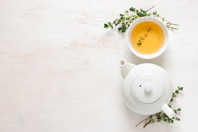Je länger du Tee ziehen lässt, desto mehr Gerbstoffe lösen sich.