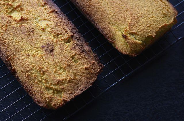 Glutenfreies Brot selber zu backen ist gar nicht schwer.