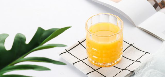 Orangensaft: Besser aus fairem Handel kaufen
