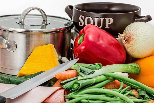 Wärmendes Resteessen: Gemüsesuppe.
