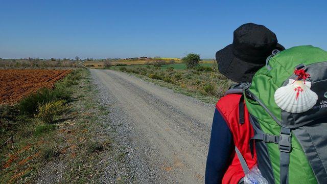 Wanderurlaub in Deutschland: Beim Pilgern kannst du dich von einer ganz neuen Seite kennenlernen.