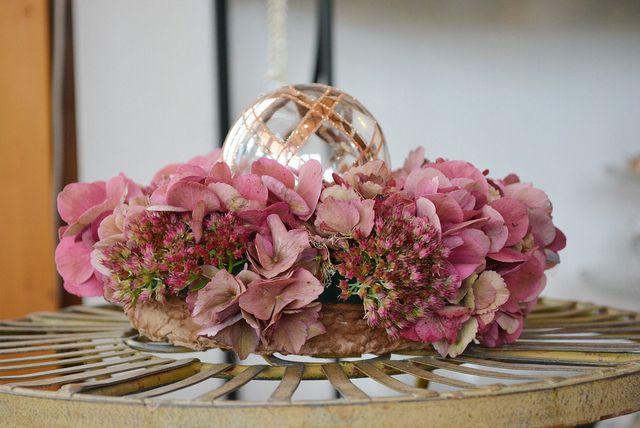Getrocknete Hortensien eignen sich gut für Blumenkränze.