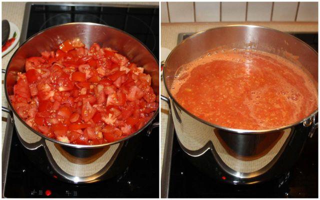Koche die Tomaten in einem großen Topf, bis eine dicke Soße entsteht.