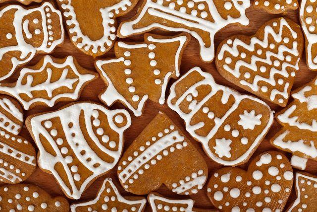 Das Mürbeteig-Rezept bietet eine gute Grundlage für leckere Lebkuchenplätzchen.
