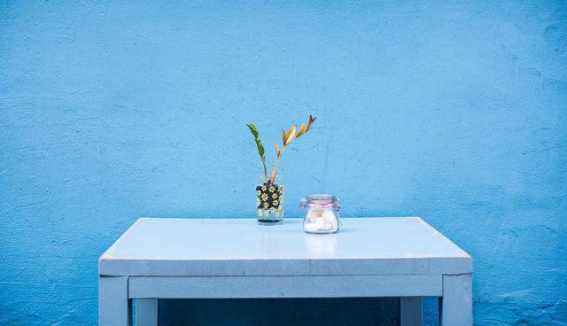 Blaue Farbtöne sorgen für Ruhe und Ausgeglichenheit.