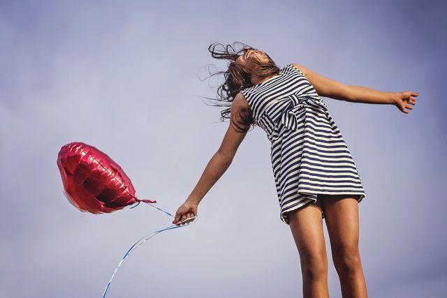 Altruistisches Verhalten geht mit angenehmen Gefühlen einher.