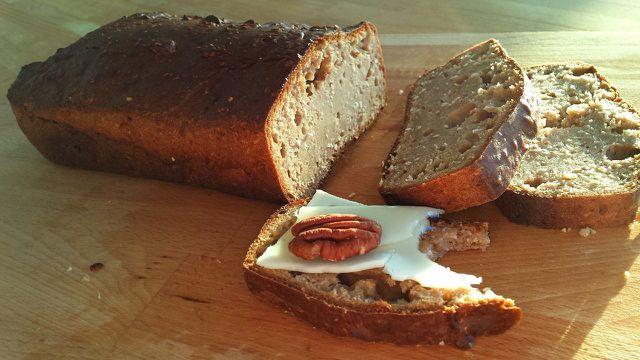 Mit Hirse kannst du auch glutenfreies Brot backen.