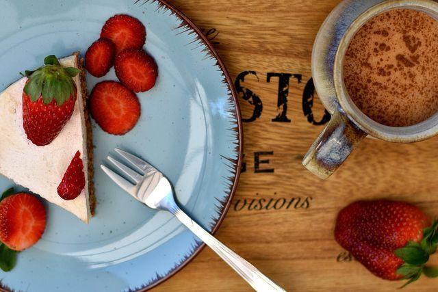 Aus Kuchenresten wird eine Torte ohne Backen.
