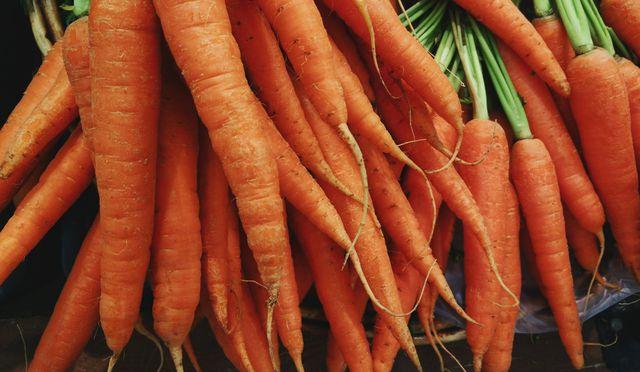 Karotten werden viel zu oft geschält