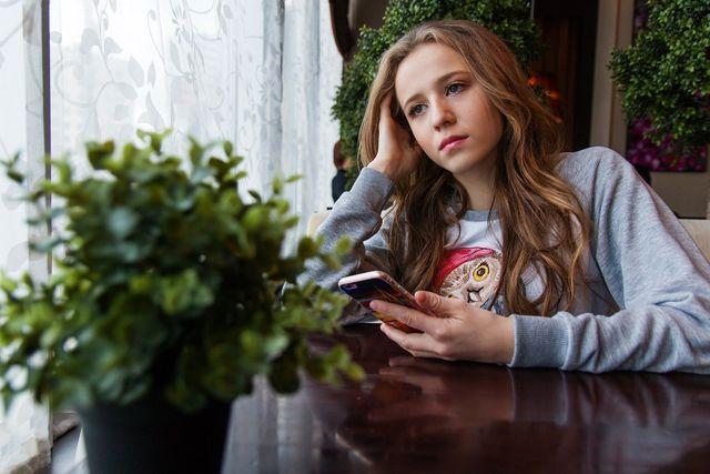 """Junge Frauen können an einer """"schnellenden Hüfte"""" leiden."""