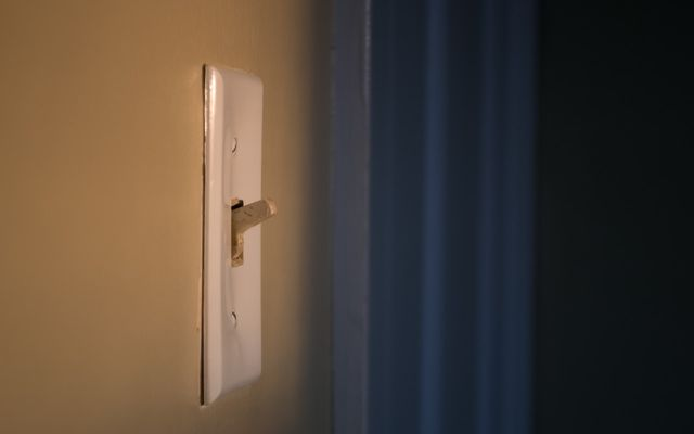 ways to conserve energy light switch
