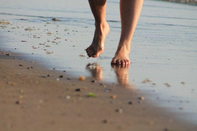 Unsere Fußcreme macht strapazierte Fußhaut wieder weich.