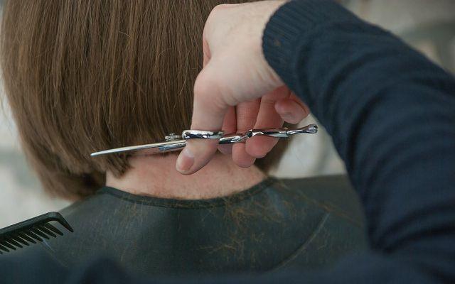 Gute Haarpflege kann graue Haare hinauszögern