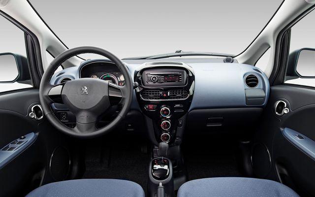 Das Innere des Peugeot iOn